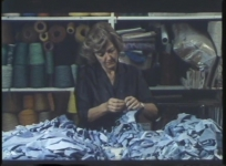 Documentaire monographique consacré à Sheila Hicks. Prod. Les Films d'ici, réal. Bernard Monsigny, 1987, 20 min.