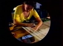 Collection La tapisserie de basse lisse, réal. Flo Fontaine et C.-Y. Leduc, 1993, 24 min. Coll. Conservation du savoir les techniques et les savoir-faire des métiers d'art.
