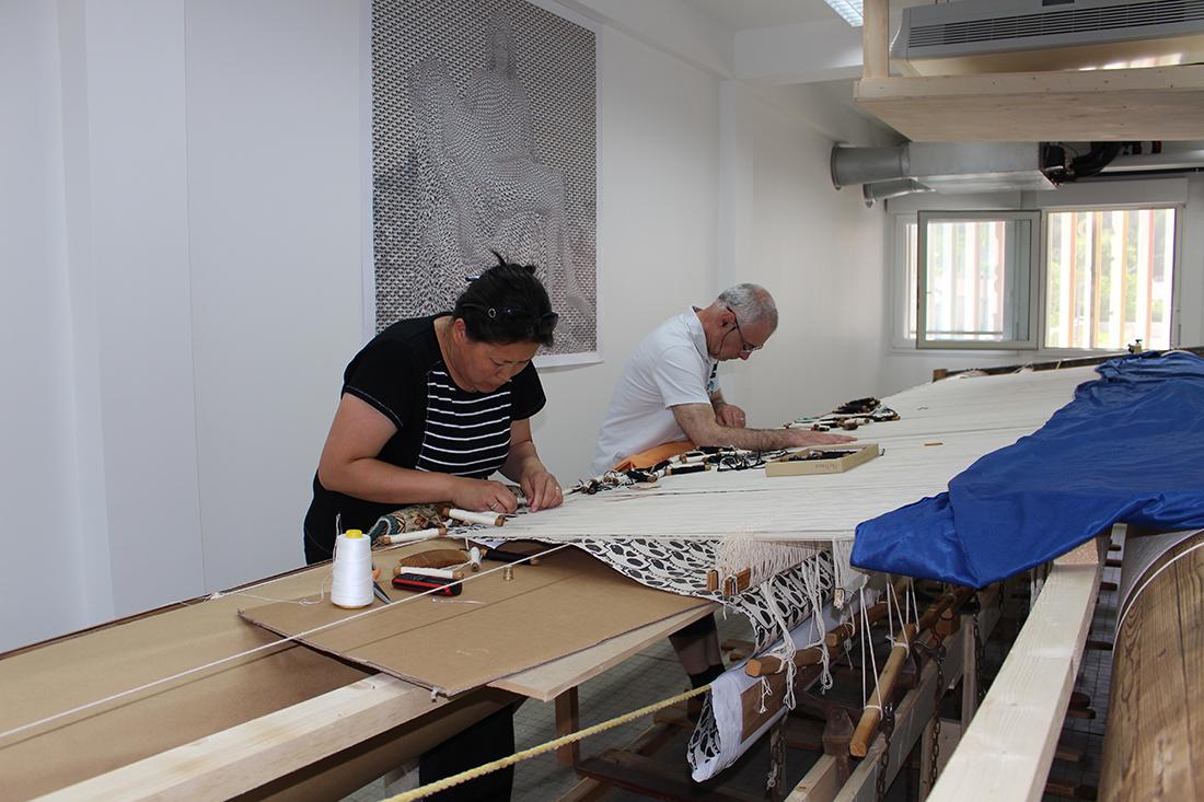 Un parcours d 39 exposition in dit cit internationale de for Comment enlever de la tapisserie